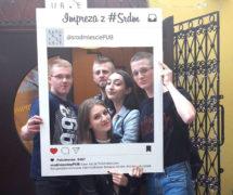 ramki ramka facebook instagram pub-srodmiescie-realizacje-ramka-do-zdjęć-selfie-ramki-gadżety-na-eventy-ala-instagram-1024x683
