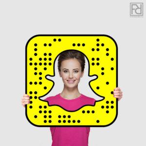 ramka-fotoramka-foto-snapchat-do-zdjęć-na-eventy-do-promocji-na-targi-snapchat-snap-snapczat-produkcja-ramek-pcv-gadżety-na-eventy-firmowe-rekwizyty-fotograficzne-marketing-social-media